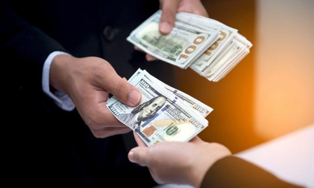 Tiền cỏ, tiền com, tiền hoa hồng, tiền hoàn trả